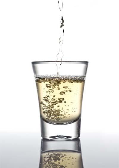 Um copo de cachaça